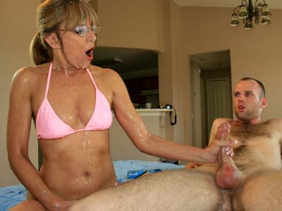 Granny Gets Insane Cumshot Facial